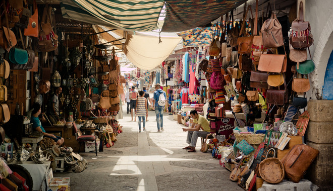 souk marrakech morocco walking hiking tour