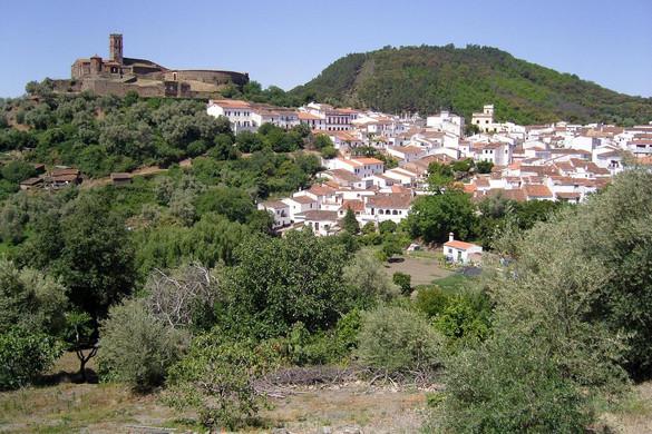 spain-andalucia-almonaster-church-villag