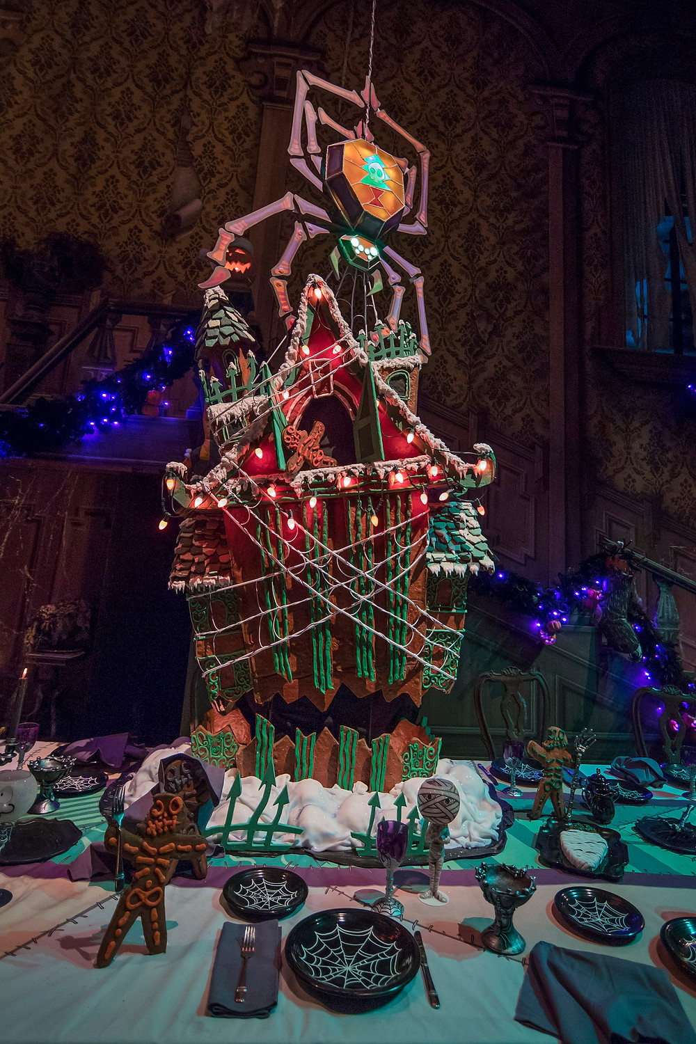 First Look: 2018 Disneyland Haunted Mansion Holiday Gingerbread House