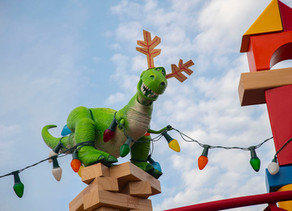 First Look: Toy Story Land Decorated for the Holiday Season!