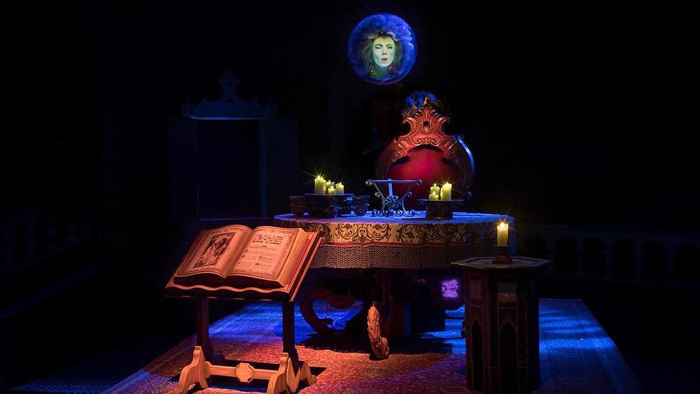 Haunted Mansion Disneyland Madame Leota