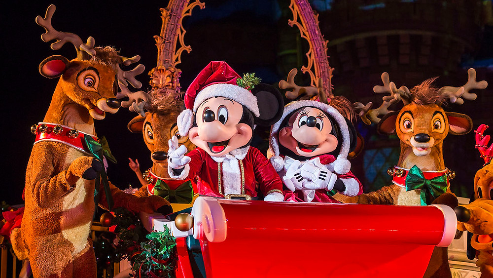 Special Holiday Offerings for Walt Disney World Annual Passholders
