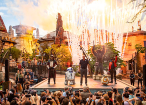 Watch the Star Wars: Galaxy's Edge Dedication Ceremony at Disney's Hollywood Studios!