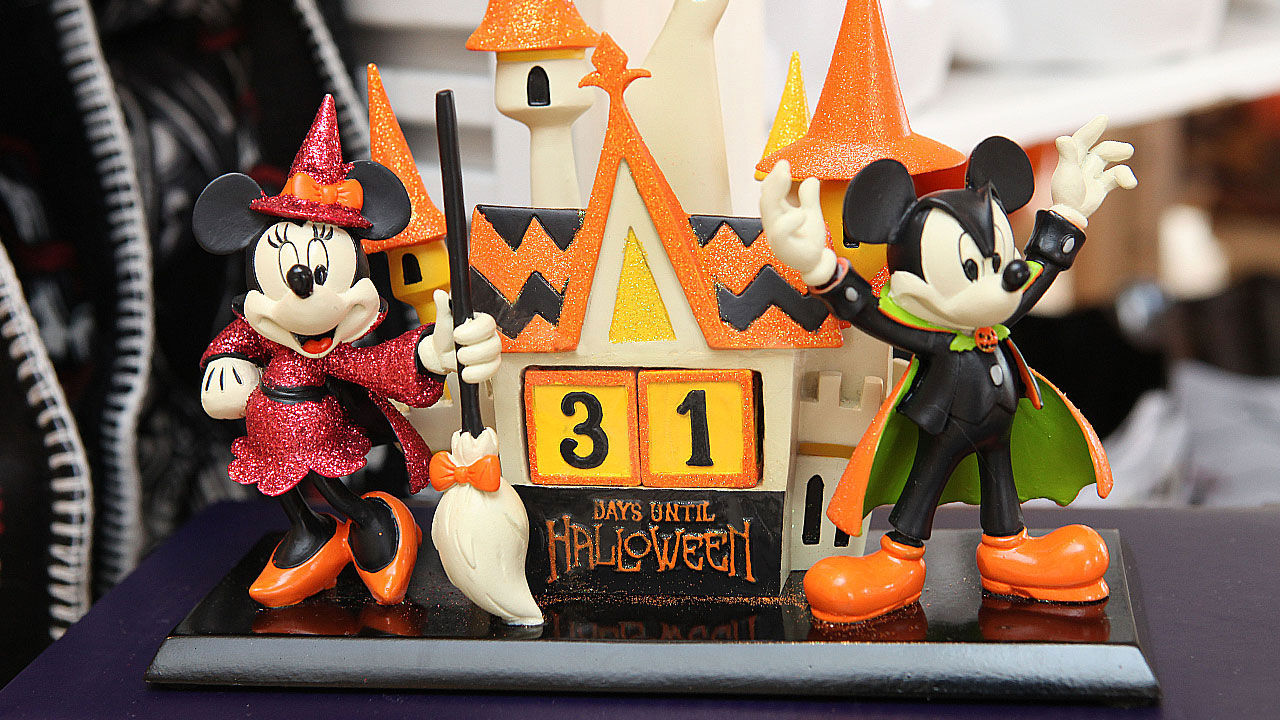 2018 disney halloween merchandise collection