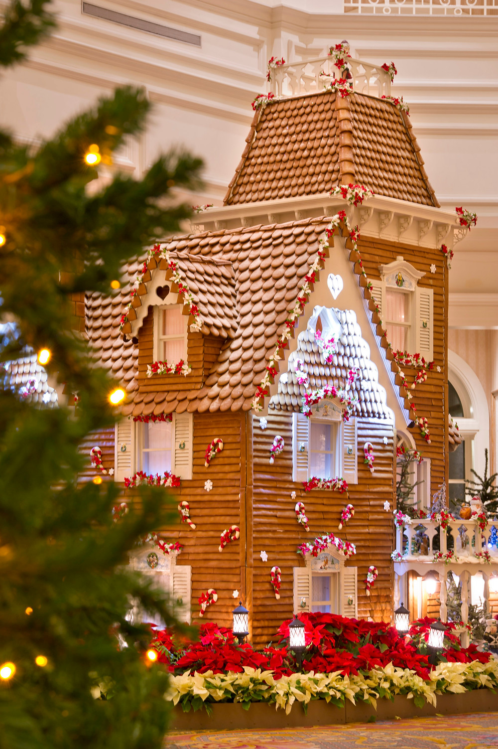 Don't Miss the Iconic Grand Floridian Gingerbread House This Holiday Season!