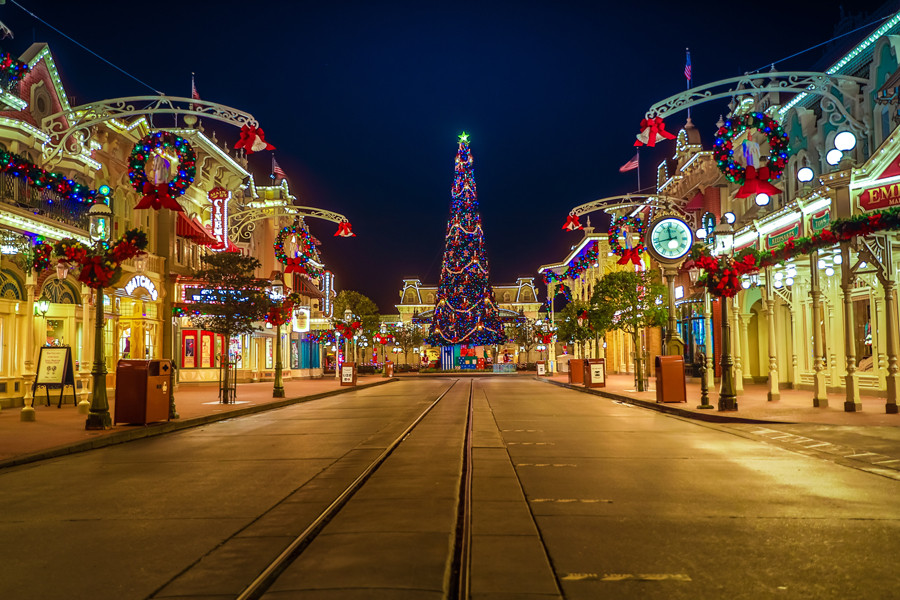 Disney Very Merriest After Hours Event to Replace Mickey's Very Merry Christmas Party in 2021