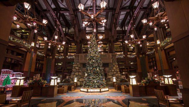 10 Ways to Enjoy the Holidays at the Hotels at Disneyland Resort