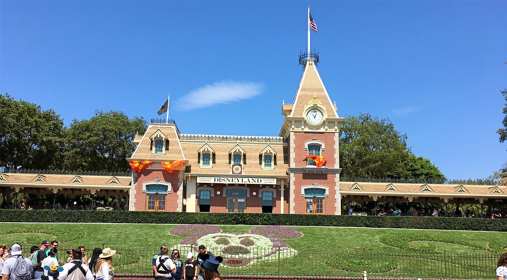 Disneyland Resort to Close Due to COVID-19!
