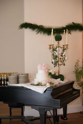 Buchanan_Hall_Virginia_Wedding_Daisy_Sau