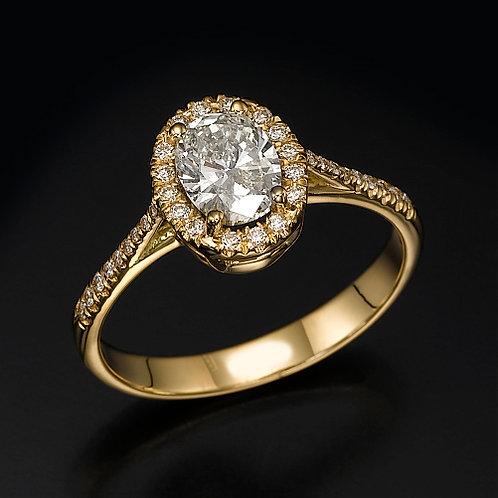 Oval Diamond Halo טבעת אירוסין