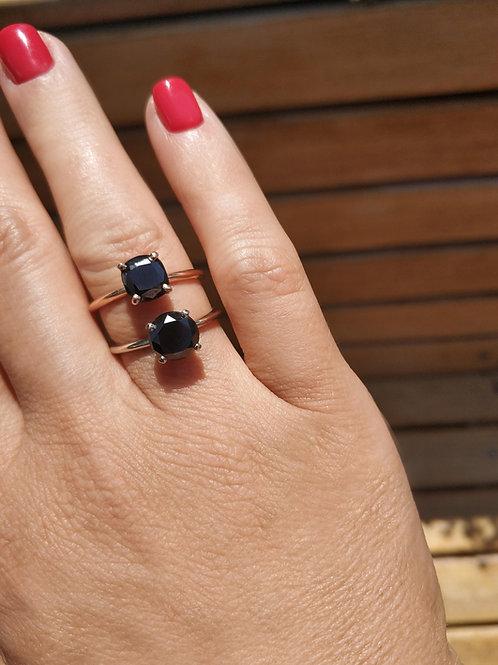 טבעת Black Round Solitaire