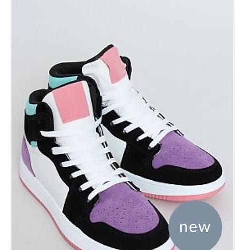 Urban color sneaker