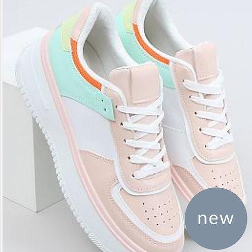 Urban pink sneaker