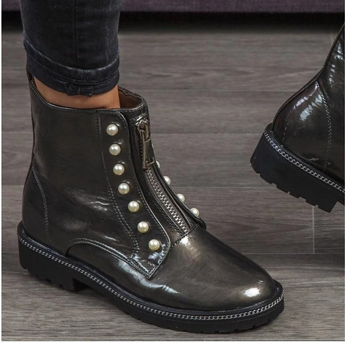 Boots met parels