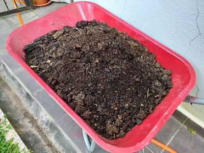 Pile of burnt soil rich in carbon element for soil amendment