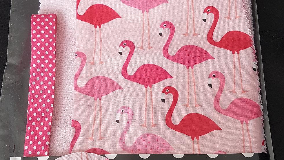 """Kit """"C moi qu'a fait"""": serviette flamand rose 2"""