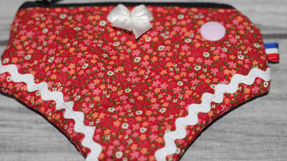 Porte monnaie culotte motif fleurette rouge