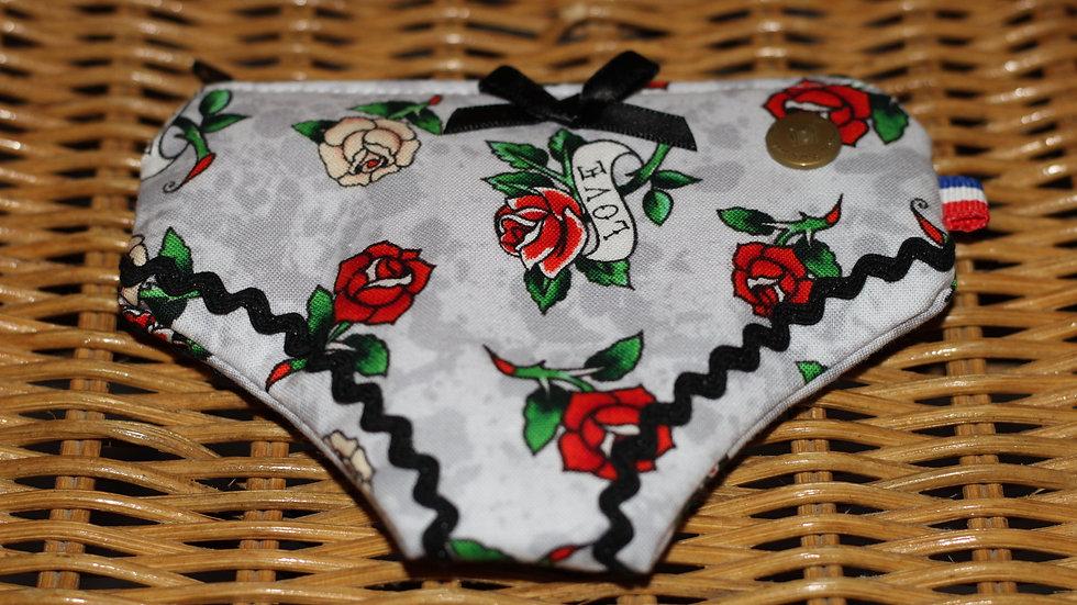 Porte monnaie culotte motif rose rouge