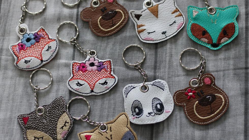 Porte clef animaux brodé differents modéles