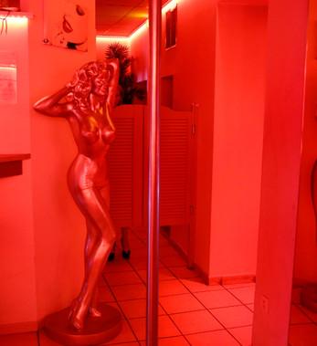 Acces au_Salons_privés_du_bar_à_hotesse