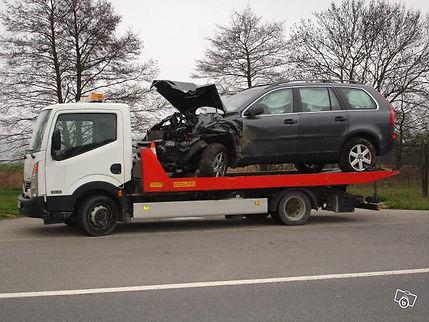 Enlèvement gratuit d'épaves auto & récupération de voiture HS a Annecy, Chambery, Annemasse