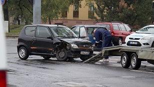 Enlèvement d'epave gratuit à Lyon de votre auto ou autres véhicule. Faites enlever votre voiture par votre épaviste ferrailleur proffessionnel dans le Rhone, l'Ain, l'Isère, la Haute-Savoie, la Loire