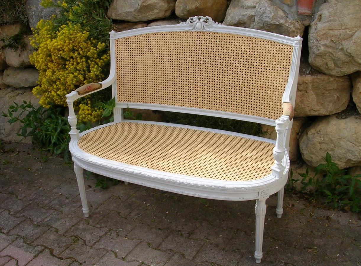 banc avec assisse et dossier en cannage