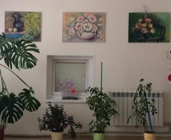 Выставка картин Никеи в отеле Астра