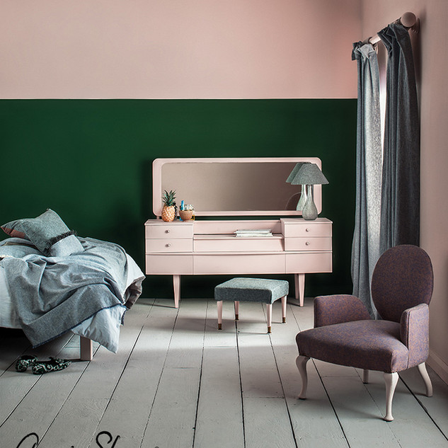 Antoinette-and-Amsterdam-Green-bedroom-m