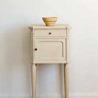 Old-Ochre-side-table-Tacit-in-Old-Violet