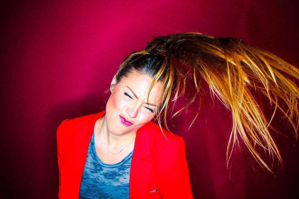 hair-flip-(low-res)-2.jpg