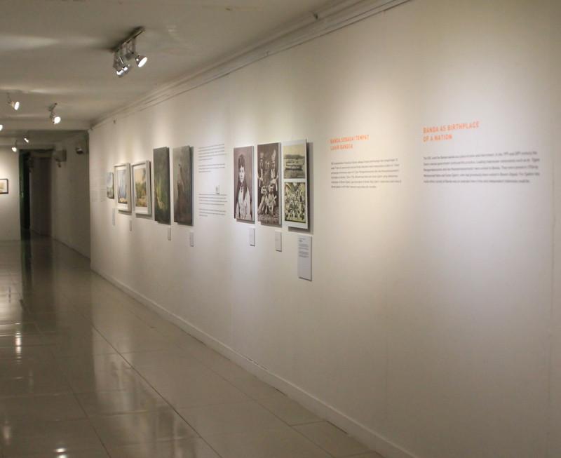 13_Hallway.JPG