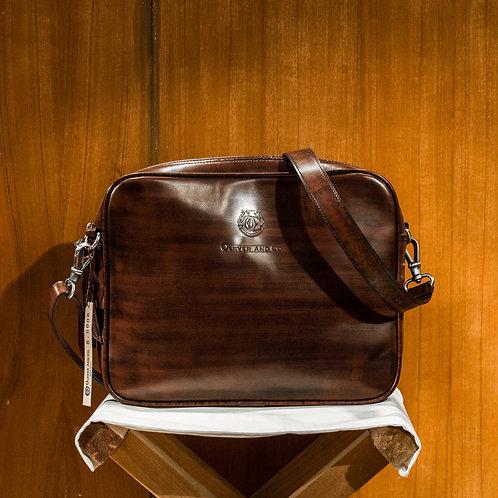 Oliver Signature Messenger Bag (Leather)