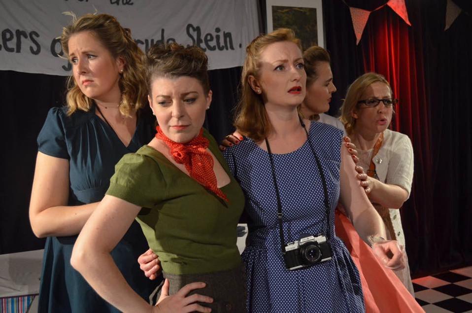 5 Lesbians Eating a Quiche - Vern