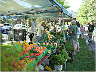 Grab your baskets and check out the Farmer's Market scene!