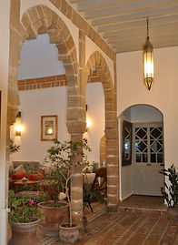 Location riad Essaouira Maroc . patio Riad le Consulat Essaouira private riad to rent medina Essaouira morocco