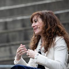 Foto de Martí Albesa, escritora Àngels