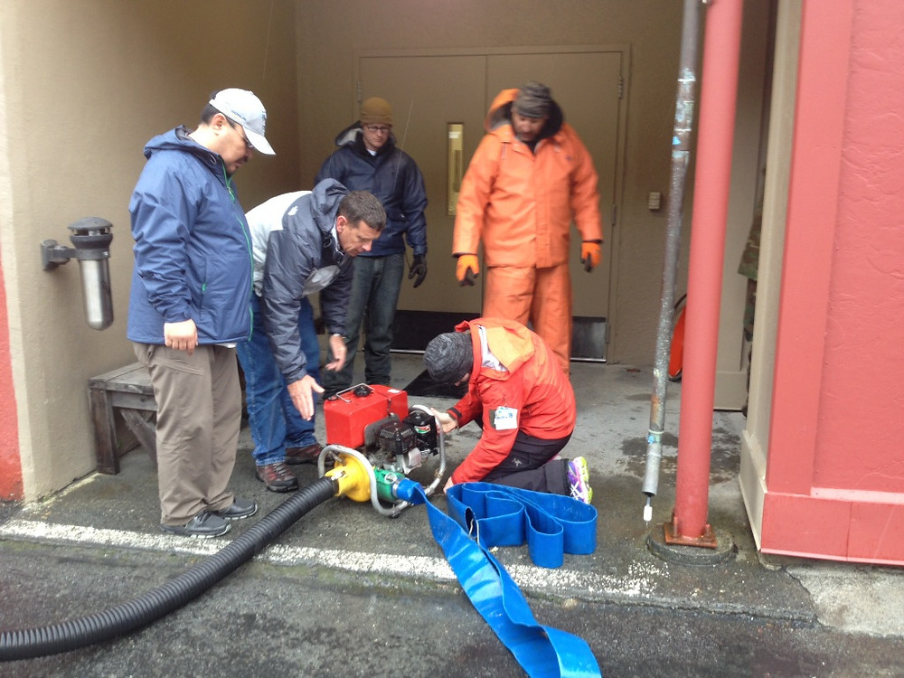 Training with the dewatering pump in the MSIT