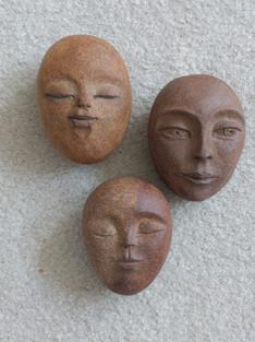 3 Buddha Pebbles