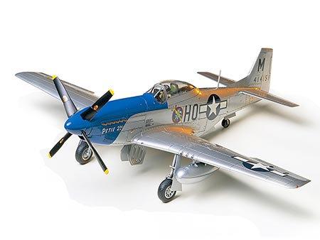 North American P-51D Mustang 8th Air Force 1/48 - TAM 61040