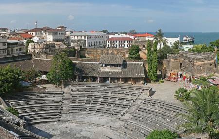 Zanzibar-Old_Fort.jpg