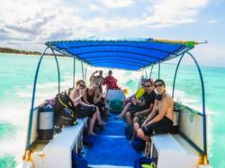 Zanzibar_boat_journey_walking