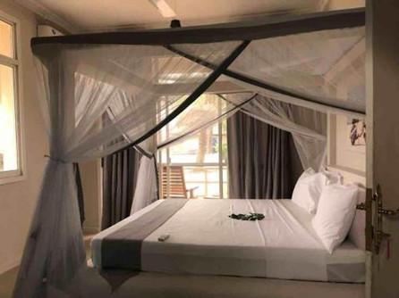 Zanzibar_Apartment_KingBed2.jpg
