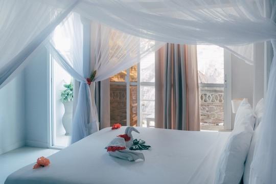 Zanzibar_Apartment_KingBed3.jpg