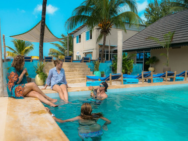 Zanzibar_Apartment_Pool2.jpg