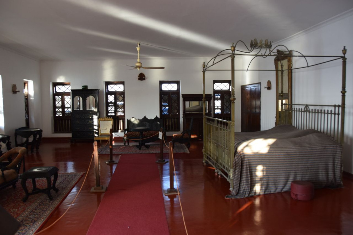 Zanzibar-The-Palace-Museum-Sultan-Bedroo