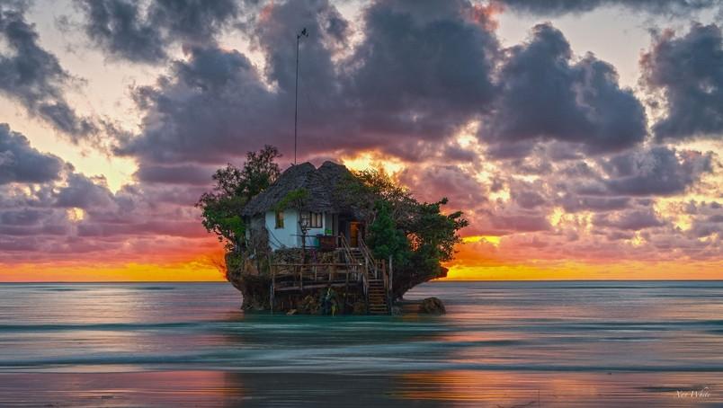 Zanzibar_The-Rock4.jpg
