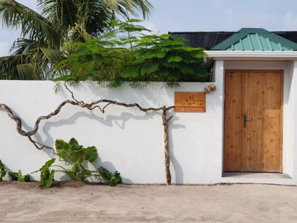 Fanhaa Guesthouse Entrance.jpg
