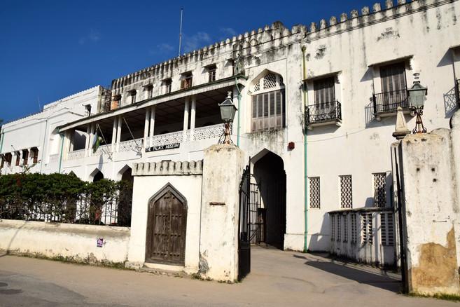 Zanzibar-The-Palace-Museum-Entrance.jpg