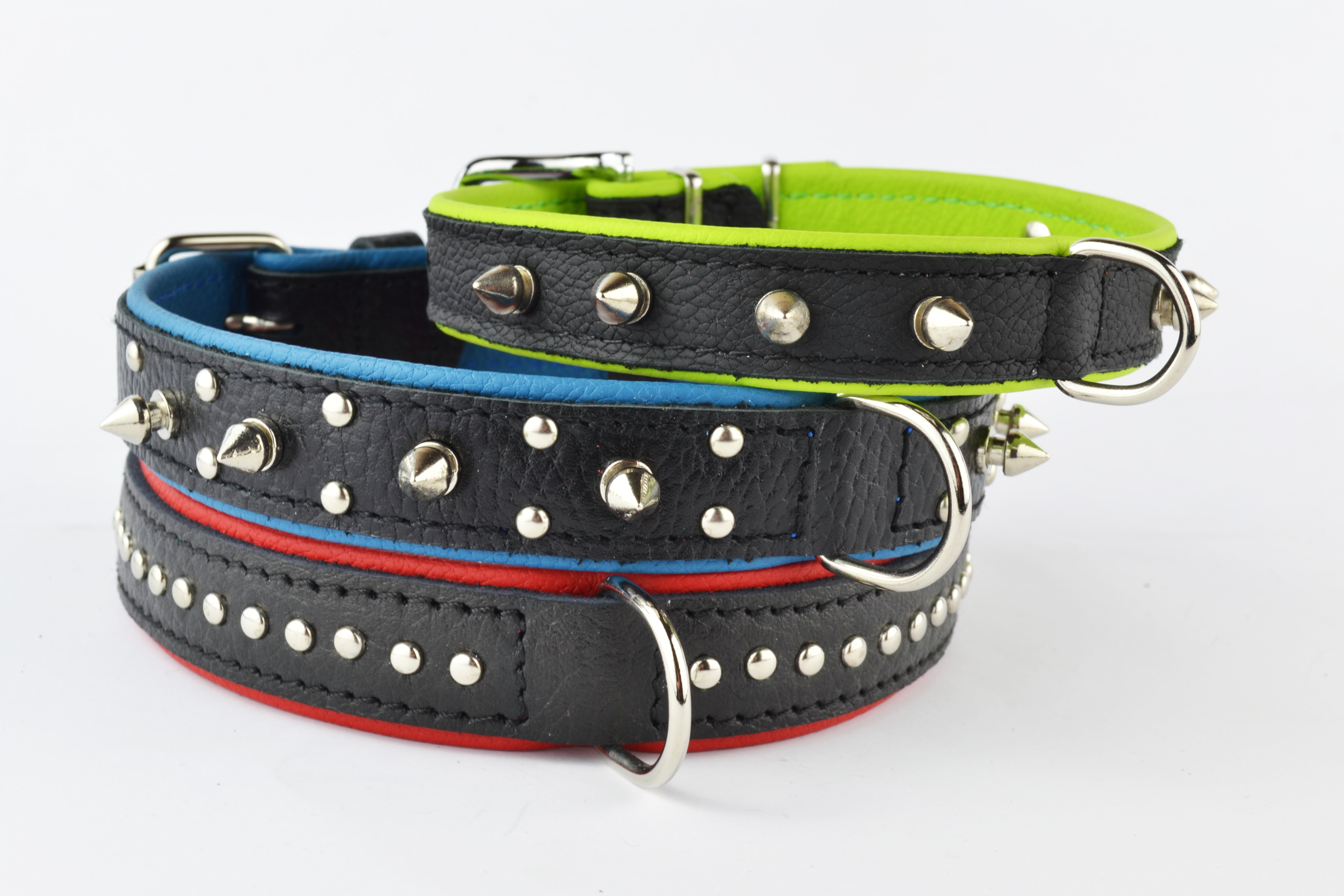 Leather collars with hardware
